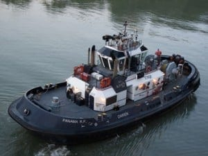 tugboat-on-the-panama-canal