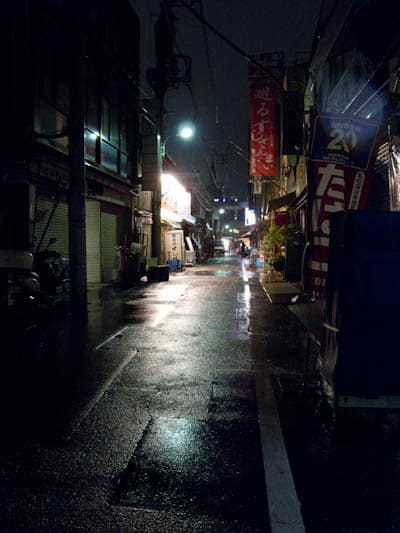 Alley-with-Kiyomura-restaurant