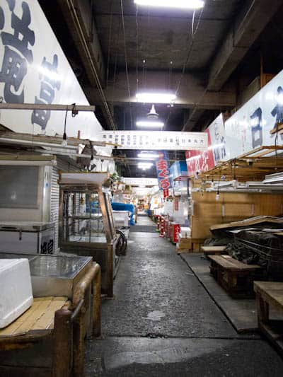Tsukiji-fish-market-on-rest-day