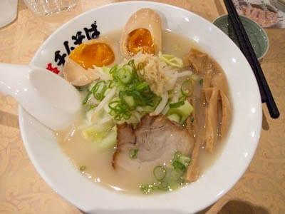 Classic-bowl-ramen-Tokyo