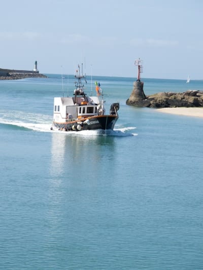 Fishing boat entering Le Croisic