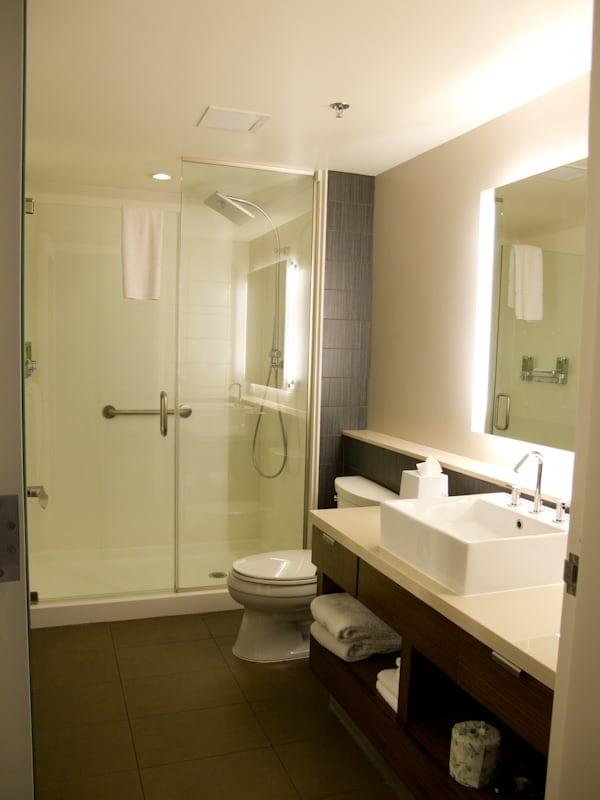 Element-Las-Vegas-Bathroom