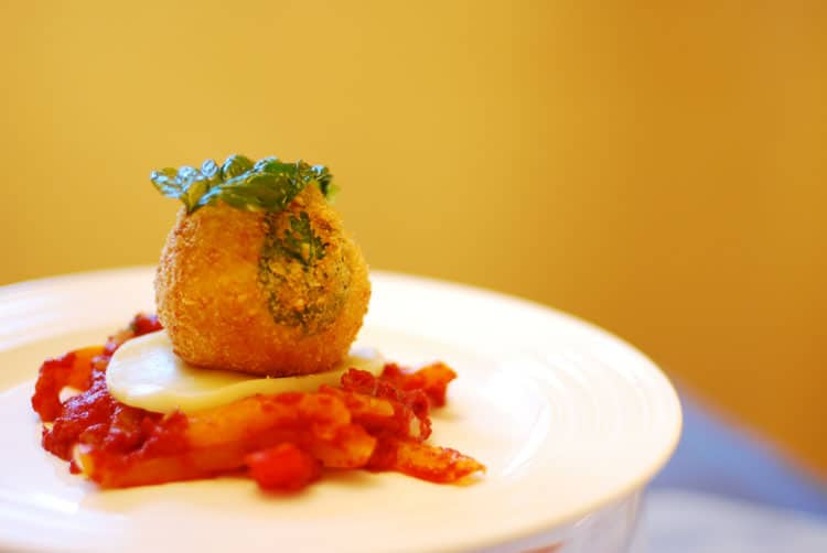 5 Dishes you have to Eat in Italy - Arancini