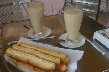 Horchata-and-Fartons