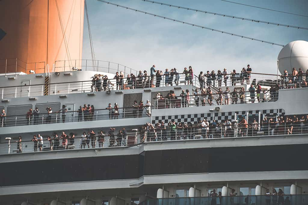 Cruise boat full of people