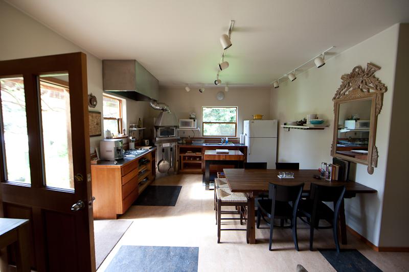 Willows Inn Farmhouse Suite kitchen