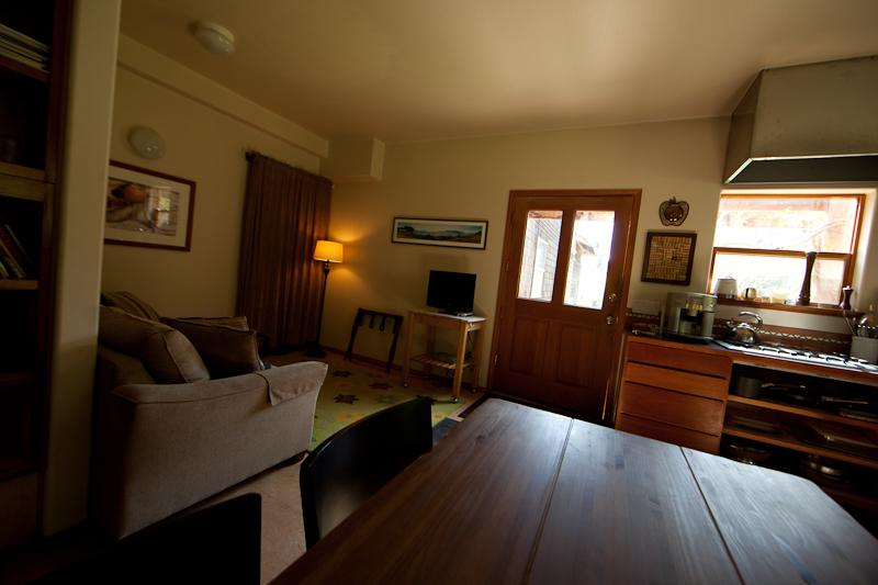 """Willows Inn Farmhouse Suite """"salon"""""""