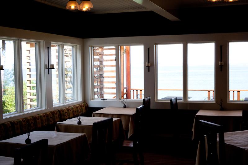 Willows Inn dining room