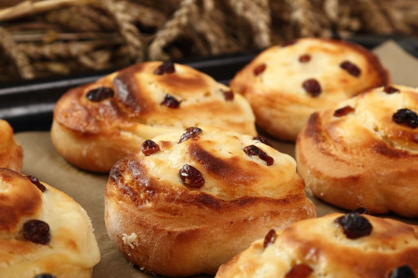 A-typical-french-breakfast-Pain-aux-raisins