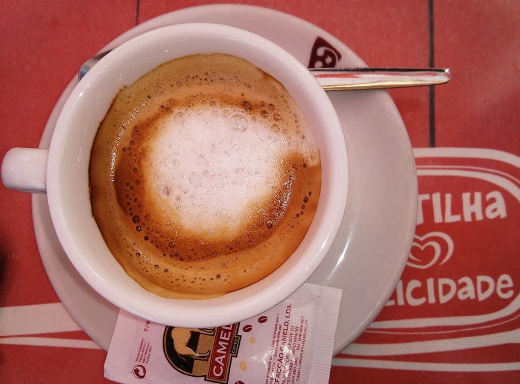 Coffee in Portugal Um garoto