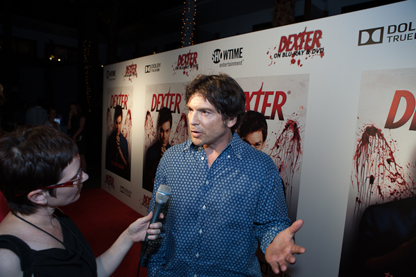 Andi Fisher interviewing Jason Gedrick at the Dexter release party