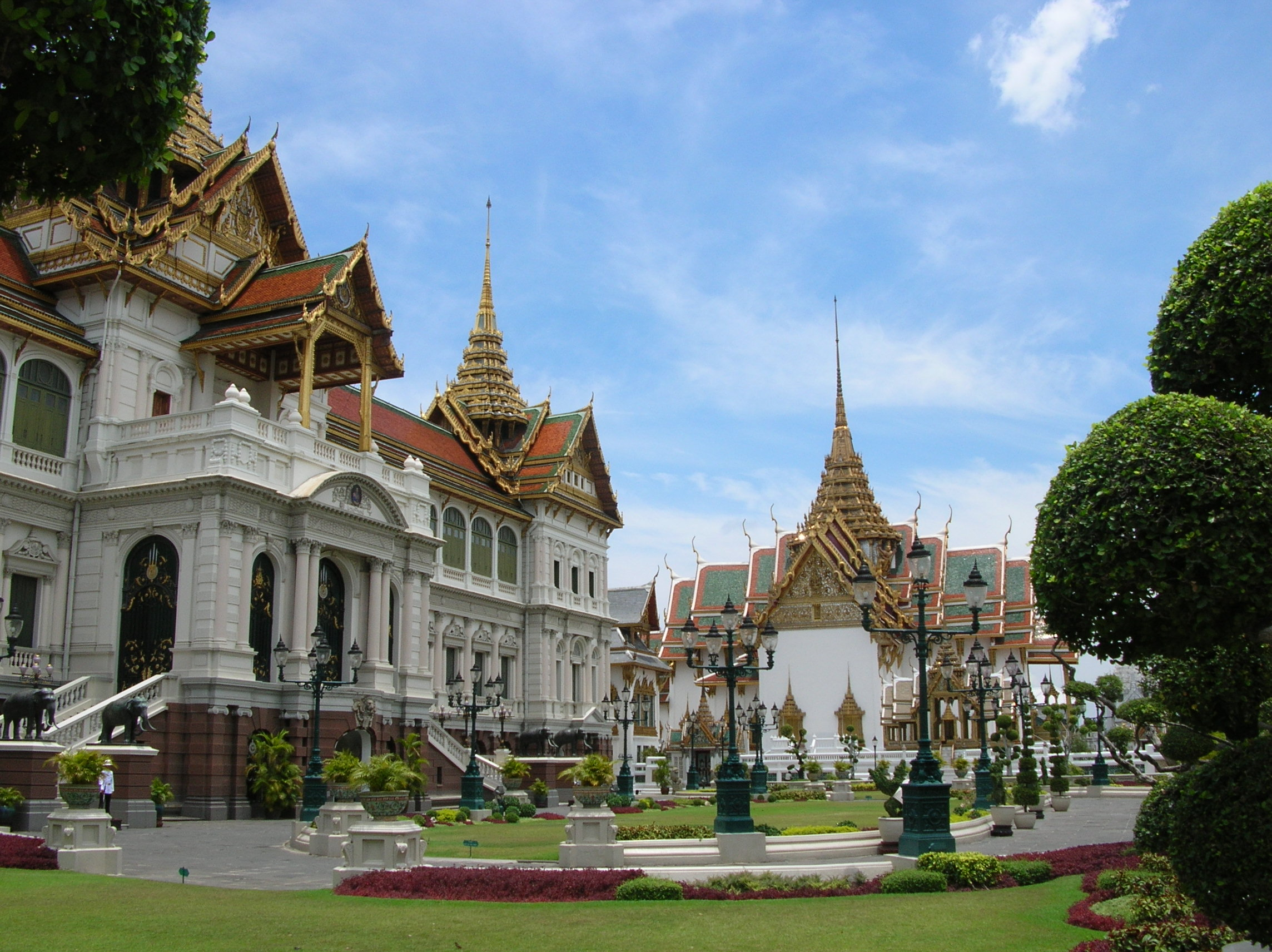 Top palaces to see in Thailand - Misadventures with Andi