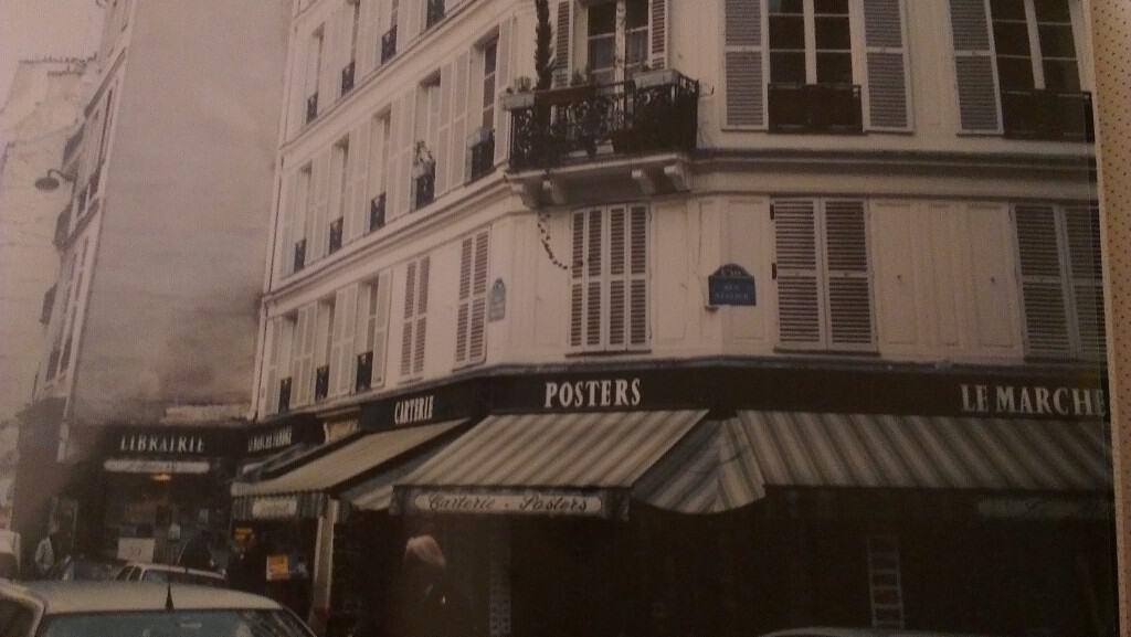 A Passion for Paris - La Mom - Apart