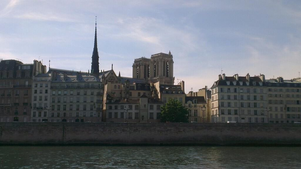 A Passion for Paris - La Mom - Notre Dame