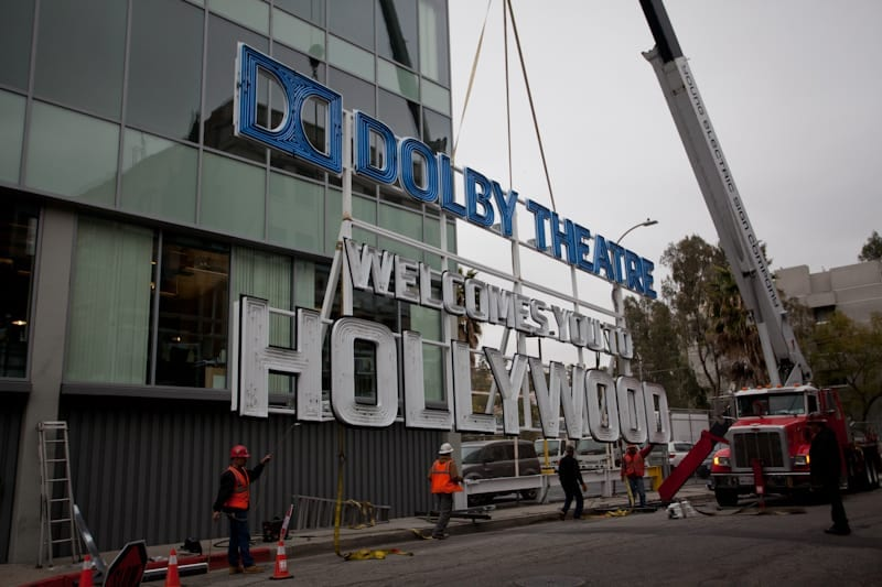 Dolby Theatre Sign being raised