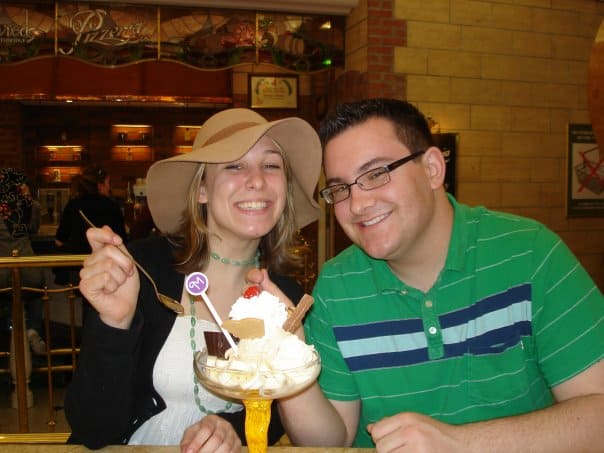 Traveler Tuesday - Bobbi Lee Hitchon eating ice cream