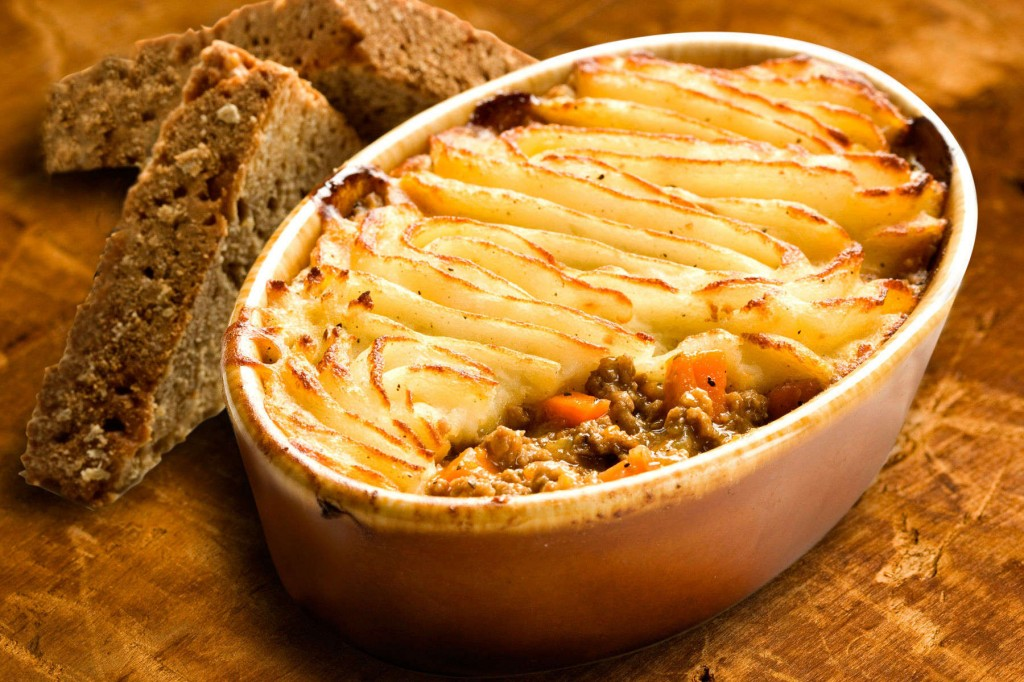 5 Quintessentially British Dishes to Try in London: shepherds pie