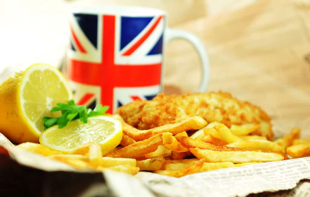 Bangers and Mash_Quintessentially British Dishes to Try in London