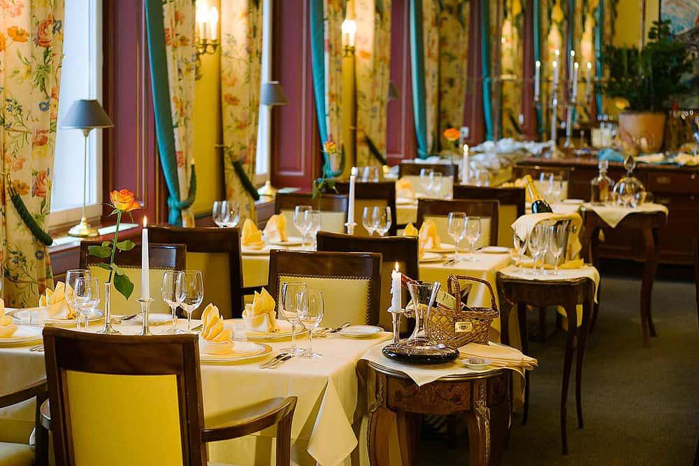 restaurant le papillon le palais prague