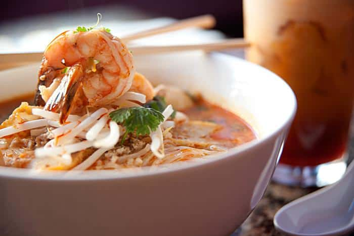 Tom_Yum_Noodle_Soup_NavinThai