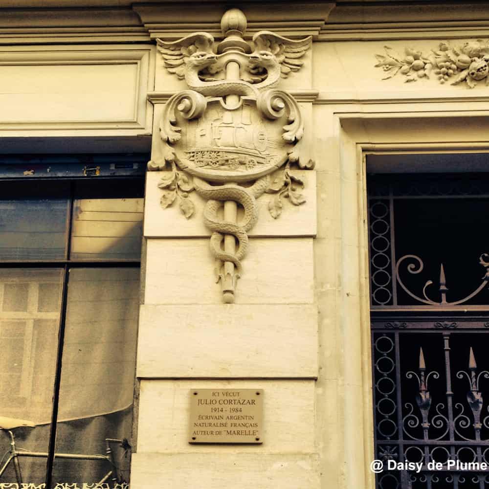 Cortazar plaque on rue Martel - Instagram @ Daisy de Plume