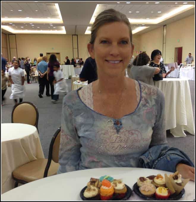 Food blogger Candi at Cupcake Show