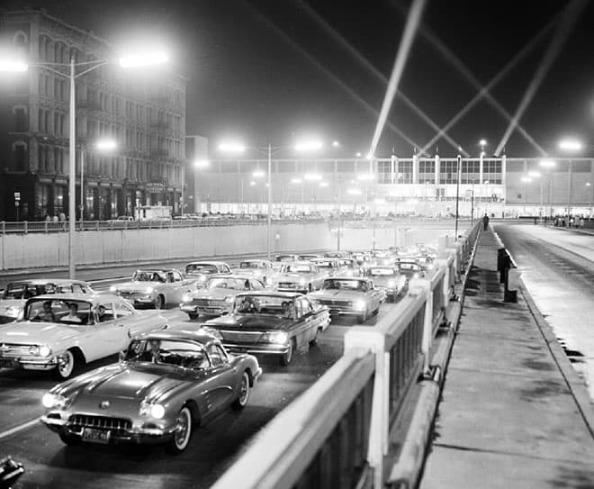 Traffic-at-the-1960-Auto-Show-Detroit