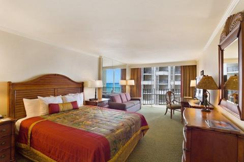 Outrigger-Waikiki-Beach-Resort-Guest-Room