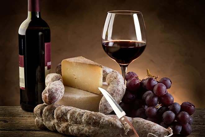 Sausage__cheese_and_wine