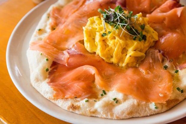 rosescafe_smoked_salmon_pizza