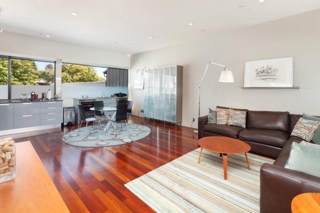 2211_5thB living room