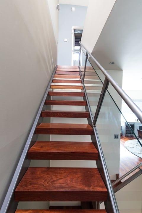5th-2211-b-berkeley-california-4th-street-west-oceanview-neighborhood-3-living-room-stairs-2