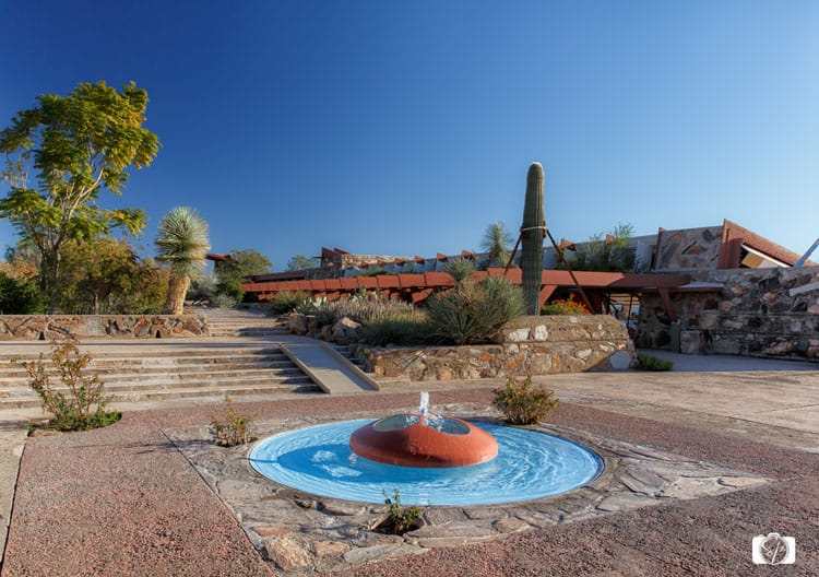 TALIESIN WEST-Courtyard-School