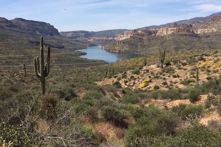 Apache-Trail-Lake
