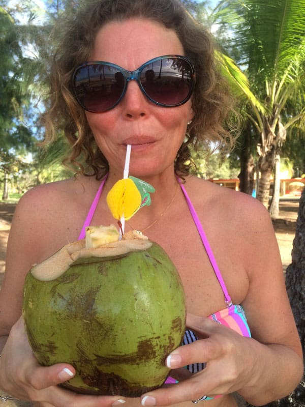 Traveler-Tuesday-Vicky-Chasing-the-Map-Coconut
