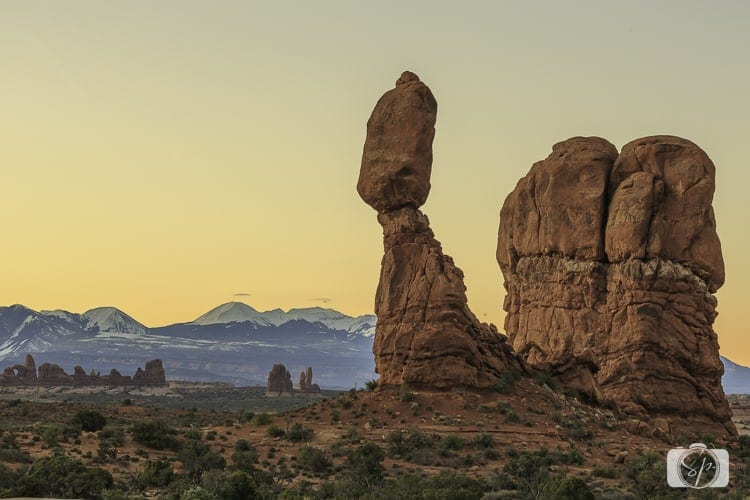 Things to do in Moab - arches national park balanced rock blog
