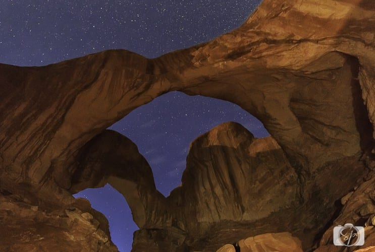 arches national park double arches night