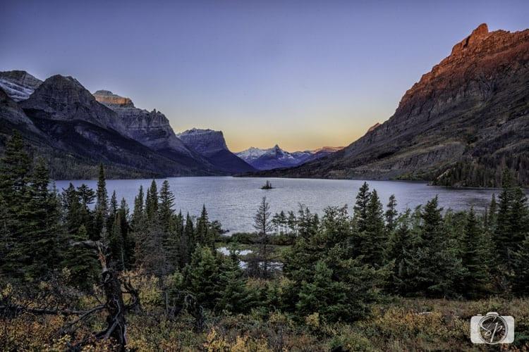 glacier-national-park-wild-goose-island-sunrise