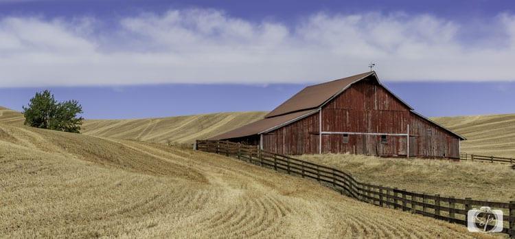 palouse red barn