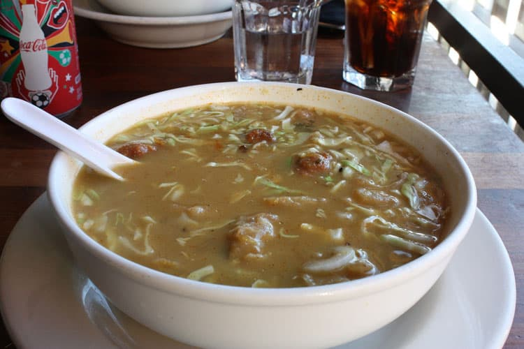 Best Burmese Food in San Francisco samusa-soup-burma-super-star