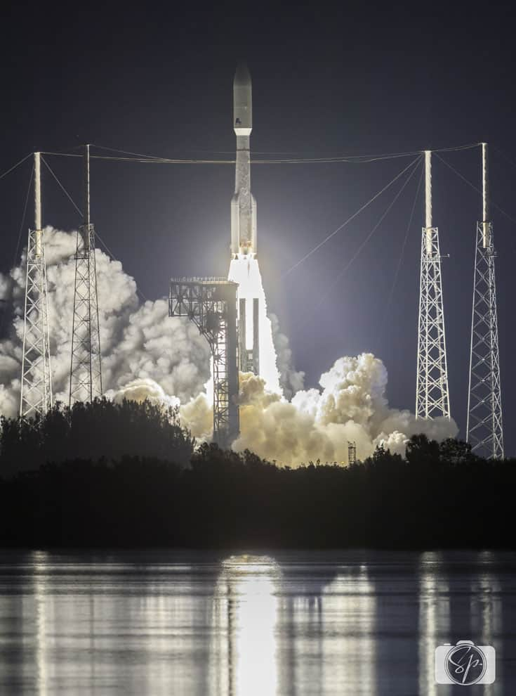 goes-r satellite atlas v rocket launch liftoff