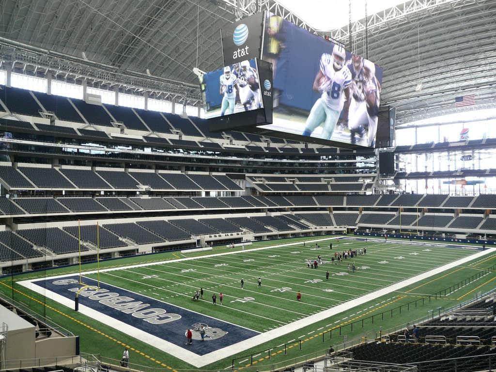 Get Your Sports On in Arlington Texas - Dallas Cowboys Football