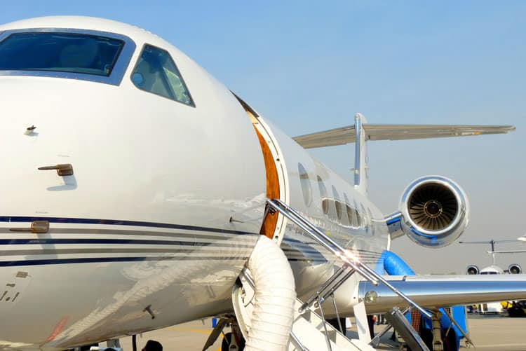 Top 6 Tips for Booking a Private Charter Jet