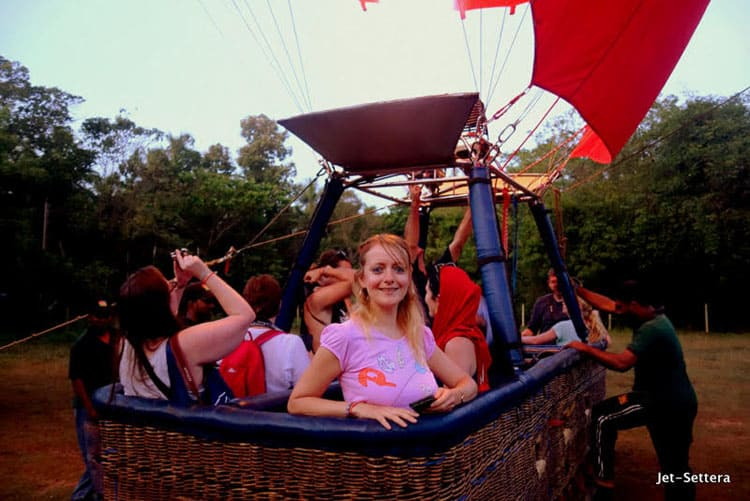 Fantastic Balloon Rides Around the World_Sigiriya Rock in Sri Lanka