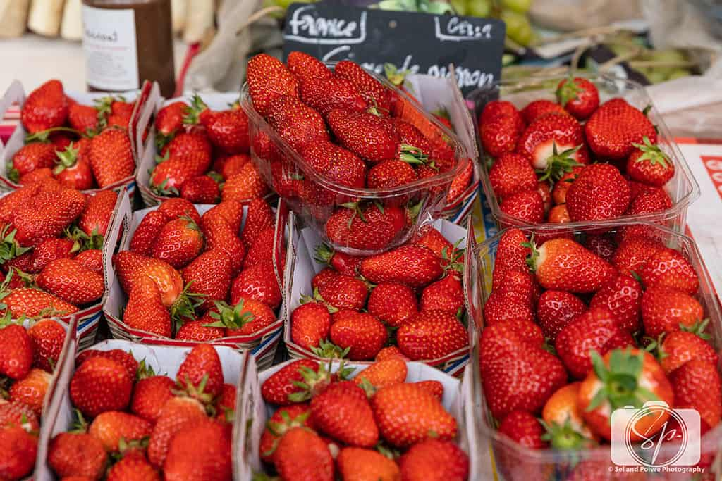 Paris-Bastille-Farmers Market-Strawberries