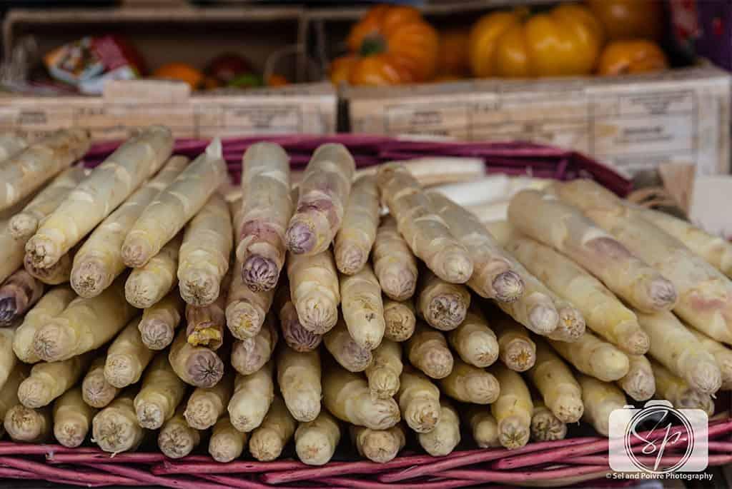 Paris-Bastille-Farmers Market-White Aspargus