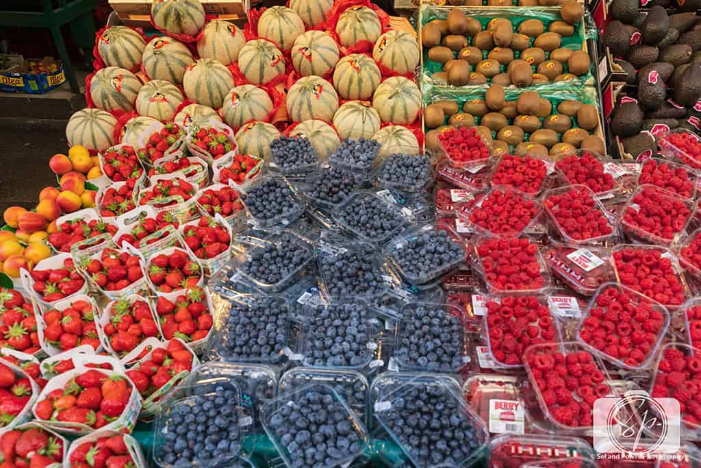 Paris-Rue Poncelet-Market-Fruit