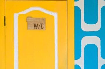 Finding a Bathroom in Paris