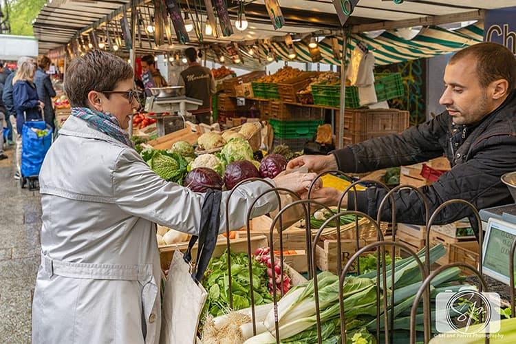 Paris-Bastille-Farmers Market-Andi Counting Coins hero