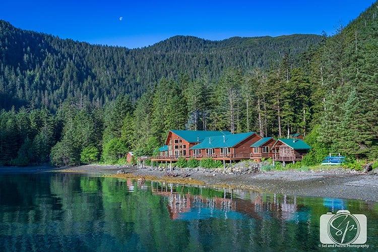 Steamboat Bay Fishing Lodge